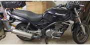 Saisonstart mit Kawasaki ER 500