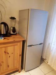 Kühlkombination Kühlschrank und Tiefkühlschrank