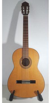Akkustikgitarre der Marke HÖFNER - Made