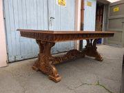 Wunderschöne Tafel-Tischgruppe aus Massivholz mit