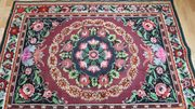 wunderschöner handgeknüpfter Teppich sehr lebendige