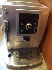 Neuwertiger Kaffeevollautomat De Longhi