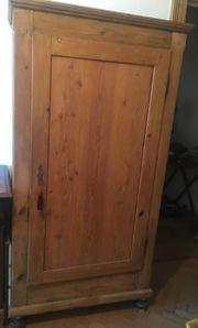 Kleiderschrank Massivholz aus Haushaltsauflösung