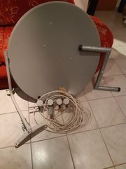 Satellitenschüssel mit Receiver
