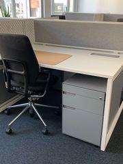 Schreibtisch im Doppelformat