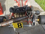 Rennkart Motor mit Rahmen