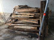 Brennholz Altholz zu verschenken