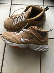Herrenschuhe Nike Gr 42 5