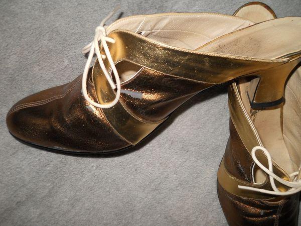 goldfarbene Pantoletten Gr 40