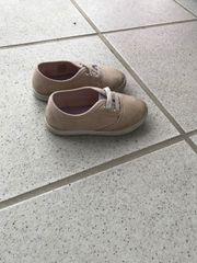 Verkaufe Baby Schuhe in Größe