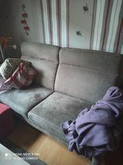 Zwei Sofas dreisitzig