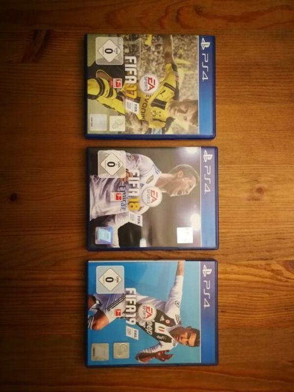 FIFA 17 - 19 PS4
