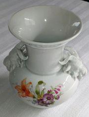 Vase KPM mit Widderköpfen und