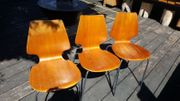 3 schöne alte Stühle mit