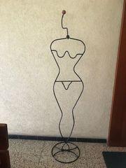 Kleiderständer FRAU Dame Frauenfigur Stummer