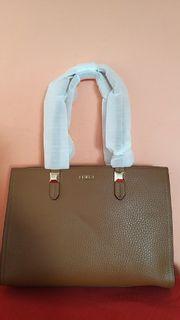 verkaufe neue cognackfarbene Furla Lederhandtasche