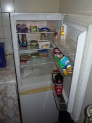 Kühl- Gefrierkombination mit