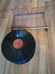 40 Schellackplatten mit Plattenständer