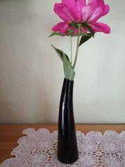 schwarze Vase Handarbeit