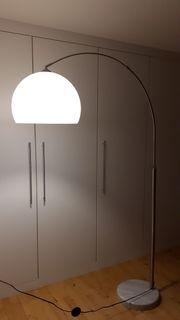 Stehlampe mit Leuchtmittel