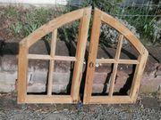 Antiker Fensterrahmen Weichholz hell