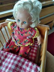 Puppe mit Schlafaugen - Marke unbekannt