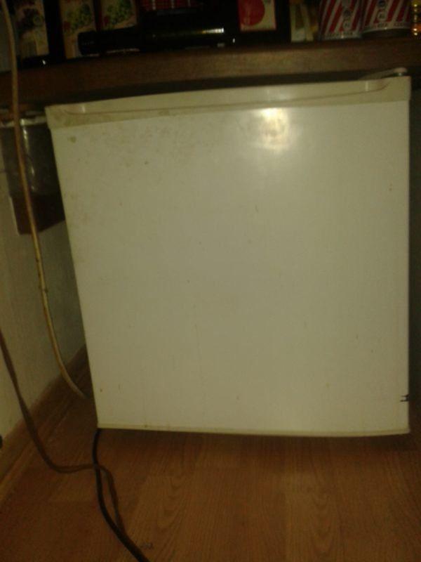 Kleiner kühlschrank 47l in Bonn - Kühl- und Gefrierschränke kaufen ...