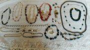 Schmuck Sammlung --- Armbänder Halsbänder