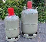 Suche leere Gasflaschen und Ölfässer