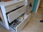 Küche und Küchenteile