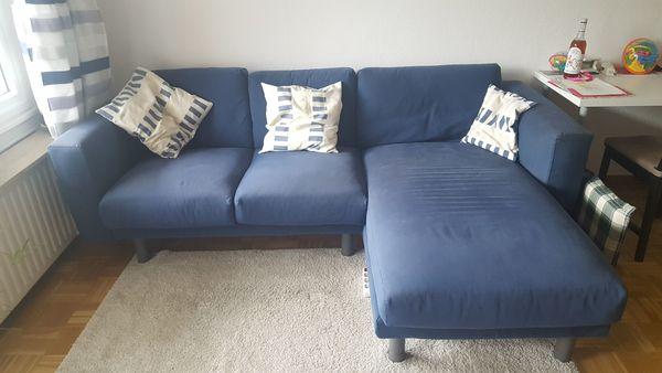 Schönes blaues 3er-Sofa mit Recamiere