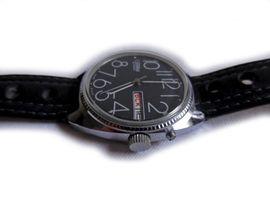 Große Armbanduhr von Slava: Kleinanzeigen aus Nürnberg Wetzendorf - Rubrik Uhren