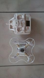 Drohne mit HD-Kamera und Fernbedienung