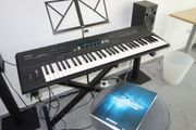 Yamaha S30 Music Synthesizer Keyboard