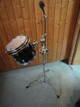 TT 10 mit Halterung: Kleinanzeigen aus Denkendorf - Rubrik Drums, Percussion, Orff