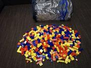 Über 900 Stück Bausteine mit