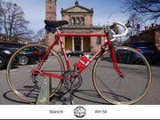 Bianchi Rennrad in wunderschönem rot