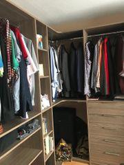 Haushaltsauflösung Schlafzimmer inklusive begehbarem Schrank