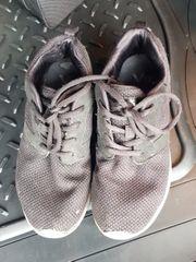 Sneaker getragen
