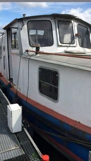 Grosses Boot Hausboot