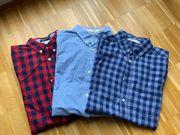Drei karierte Hemden von H