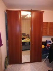 Kleiderschrank mit 2 Türen und