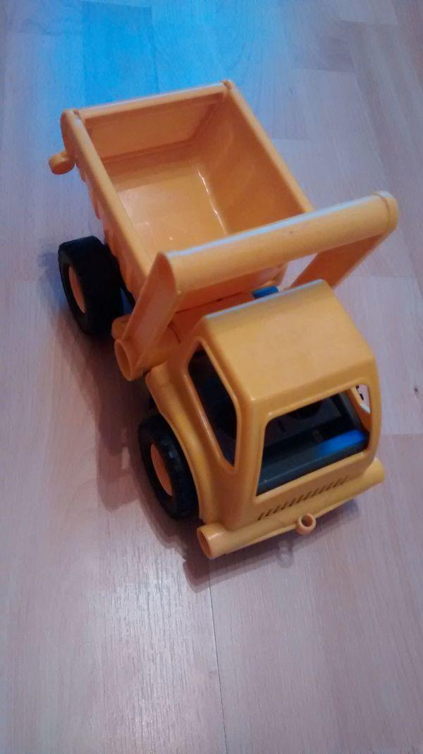 Spielzeugauto Baustellen-Kipper zu verkaufen
