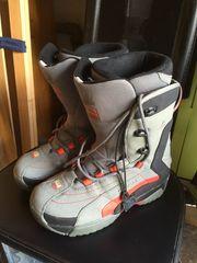 Snowboard Boots mit Tasche