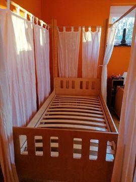 Kinder-/Jugendzimmer - Himmelbett von Jako-o