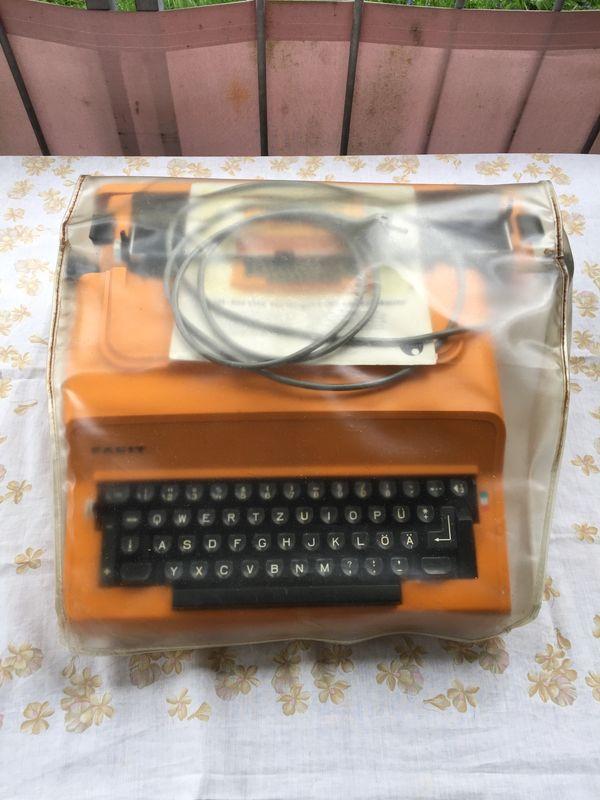 Facit 1840 elektrische Schreibmaschine mit