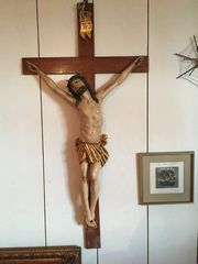 Jesuskreuz mit Blick in den