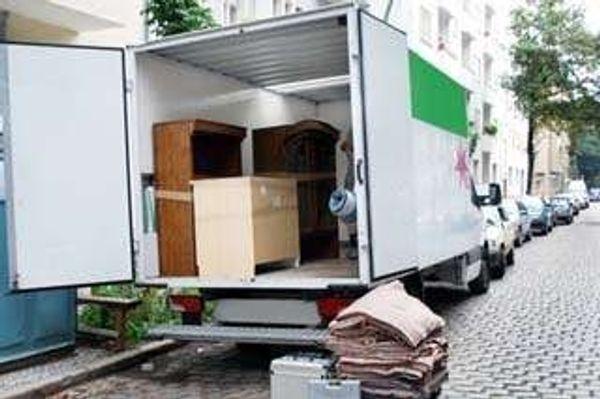 Umzüge und Transporte mit ein