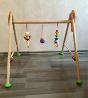 Spielbogen aus Holz für Babys