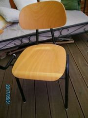 College-Stuhl neuwertig